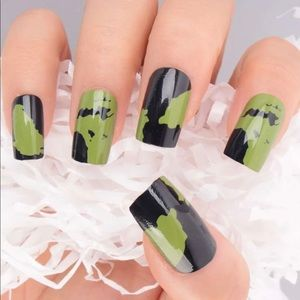 Camo Green And Black Press On Nails